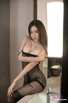 posing nude for Asian camera girl
