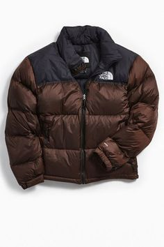 The North Face Retro Nuptse Insulated Puffer Jacket Doudoune The North Face, North Face Outfits, Winter Fits, Accesorios Casual, Puffer Jackets, Men's Jackets, North Face Jacket, Urban Outfitters, Clothing Styles
