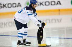 Pekka Jormakka & pingviini - kannattaako mitään muuta näistä kisoista muistaakaan #Leijonat #mmkisat #Minsk