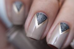 chevron neutral and gold manicure
