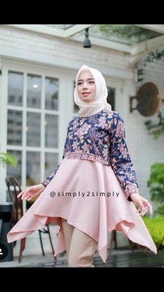 Batik Fashion, Blue Fashion, Hijab Fashion, Fashion Dresses, Womens Fashion, Blouse Batik, Batik Dress, Batik Muslim, Batik Kebaya