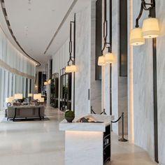 Read about Waldorf Astoria Bangkok (Magnolias Ratchadamri Boulevard), a Hilton hotel on Secret Life of Fatbacks, a Singapore website. Hotel Lounge, Lobby Lounge, Hotel Lobby, Lobby Interior, Interior Lighting, Interior Design, Design Design, Hotel Sheets, Public Hotel