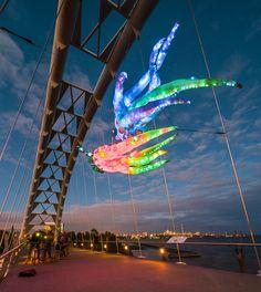 Bridge Creatures - Humber Bridge Light Sculptures by Interactive Arts