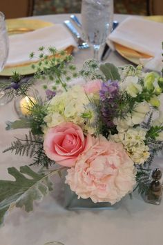 Notes and News from Shady Grove Gardens June table arrangement by #sggarden