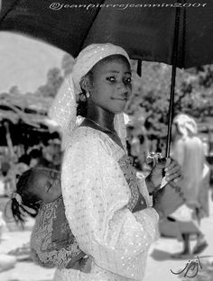 Fulani Mother and Child - Nigeria. #Babywearing #babywearingworldwide #historicalbabywearing