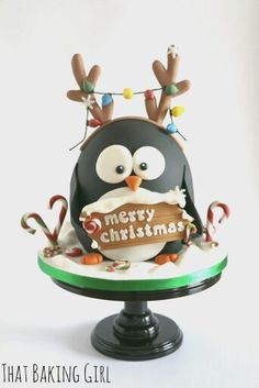 Christmas Penguin cake by elinor Christmas Themed Cake, Christmas Cake Designs, Christmas Cake Decorations, Christmas Cupcakes, Christmas Sweets, Holiday Cakes, Christmas Cooking, Noel Christmas, Christmas Goodies