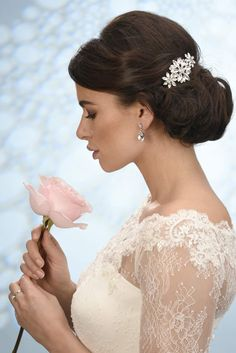 Bruidskapsel, Haaraccessoires, Bruid, Tiara, Diadeem, Bruidssieraden, Swarovski, Wedding hairstyle accessoires, Bandana, Haarband, Haarjuweel, Haarsieraad, online webshop, www.sayyestothedress.nl,