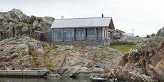 Hvaler-hytta går nærmest i ett med naturen.