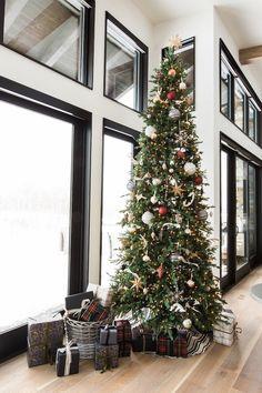 Modern Holiday Christmas tree ideas