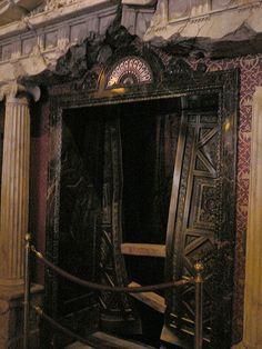 File:Tower of Terror Lobby Elevator at TDS.jpg