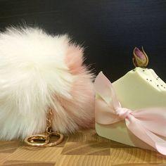 Belles rencontres marché de Noël vallée jonction  Bois p, bijoux et savon Drop Earrings, Instagram, Soap Shop, Bijoux, Dangle Earrings, Drop Earring
