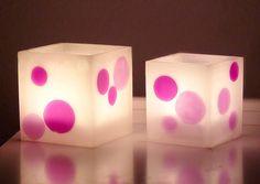 Velas Artesanales (Diferentes tipos de Velas). Este es un pequeño post sobre los diferentes tipos de Velas artesanales que podemos hacer nosotros mismos en casa. En general son velas muy sencillas de hacer con los elementos necesarios, iremos explicando en el Blog como hacer velas de una manera sencilla y divertida.