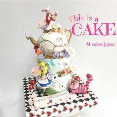 オーダーメイドケーキ、オリジナルケーキ全国発送可! ★アメリカンケーキデコレーション専門店 M Cakes(エムケーキ)★ ケーキデコレーター 鈴木 恵 が、オリジナル(カタチ、デザイン)3Dケーキを製作いたします。