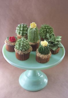 Cactus Cupcakes! I have no idea when I would need use for these...but I love them!! How cute!