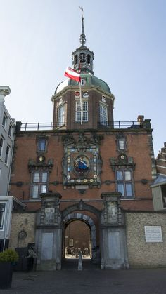 https://flic.kr/p/mYwDcK | Groothoofdspoort outsite, Dordrecht | Historical maingate to the city.