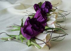Silk boutonnieres Modern Wedding Flowers Buttonholes in purple and Ivory. Contemporary flair for groom, groomsmen, fathers. Fabulous silk artificial