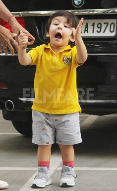 Taimur Ali Khan shines bright in yellow Kids Kurta, Kids Party Wear Dresses, Taimur Ali Khan, Kids Outfits, Cool Outfits, Baby Boy Dress, Cute Boy Photo, Kids Gown, Baby Boy Photography