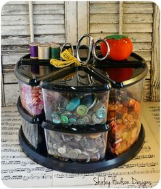 Hudson's Holidays - Designer Shirley Hudson: Organizing buttons!