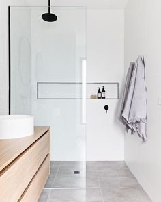 Mini bathroom tour of project Murphy Street's Master Ensuite. When designing and styling this bathroom there were a few key things I… Modern Bathroom, Small Bathroom, Master Bathroom, Minimal Bathroom, Bathroom Plants, Bathroom Renos, Laundry In Bathroom, Ensuite Bathrooms, Bathroom Interior Design