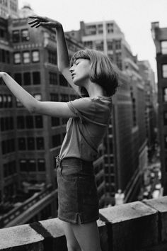 Dance when no one's watching | Lou Schoof