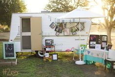 This  pop-up shop on wheels is all that it ism due to the additional tables!
