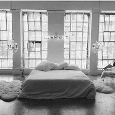 @madisonbeer: moving in ☁ @areyouami #MadisonBeer (Via Instagram) (September 22nd, 2016)