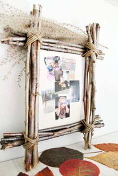DIY RUSTIC PHOTO FRAME - Rustic home decor makes any space cozier! Give it even more warmth with an easy, inexpensive DIY Rustic Photo Frame using simple, affordable supplies like twigs and twine. diy home pictures Easy Home Decor, Handmade Home Decor, Cheap Home Decor, Diy Rustic Decor, Rustic Theme, Rustic Signs, Diy Photo, Diy Home Supplies, Picture Frame Crafts