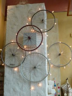 lit bicycle wheels by turquesa bleu Bicycle Lights, Bicycle Art, Bicycle Wheel Decor, Bicycle Rims, Bike Room, Used Bikes, Wall Decor, Room Decor, Home And Deco