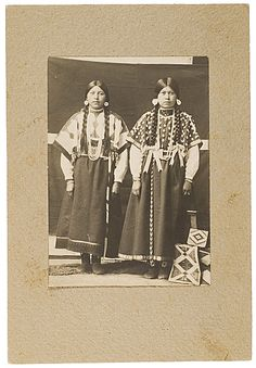 Nez Perce girls - no date