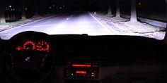 Zicht op de weg met xenon verlichting