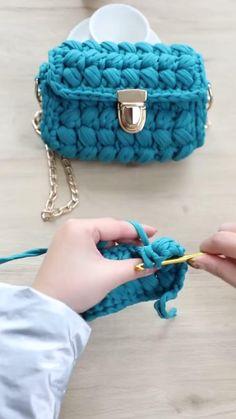 Diy Crochet Bag, Crochet Bag Tutorials, Crochet Basket Pattern, Crochet Videos, Crochet Crafts, Knit Crochet, Crochet Patterns, Crochet Summer, Crochet Handbags