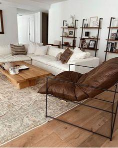 Home Living Room, Apartment Living, Living Room Decor, Living Spaces, Bedroom Decor, Bedroom Ideas, Living Room Inspiration, Home Decor Inspiration, Interior Design Living Room