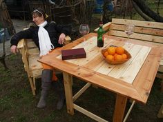 Outdoor Pallet Dining Table and Chairs | Pallet Furniture Plans