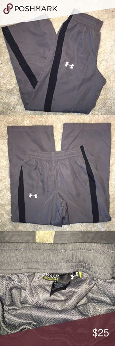 Boys Under Armour sweatpants...Size L Boys' Under Armour sweatpants...grey in Coke with a black stripe...Size L...no rips, stains or snags...in excellent condition from a smoke free home! Under Armour Bottoms Sweatpants & Joggers