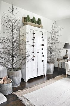Simple Christmas decor.