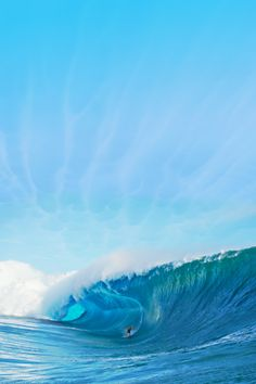 surf-visions: highenoughtoseethesea: Photo: Tim McKenna s u r f ~ v i s i o n Big Waves, Ocean Waves, E Mc2, Biarritz, Summer Dream, Surfs, Ocean Beach, Tahiti, Scenery