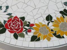 Resultado de imagen para mesa mosaico floral