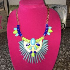 DaVinci Fashion necklace and matching earrings These beautiful pieces are looking for Ames home spice u your wardrobe with this fine pieces of jewelry lead and nickel compliance DaVinci Jewelry Necklaces