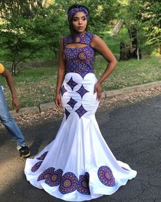 Latest and dashing Ankara purple White print gown for wedding dress African Bridal Dress, African Wedding Attire, African Prom Dresses, Latest African Fashion Dresses, African Dresses For Women, African Print Fashion, African Attire, Seshweshwe Dresses, African Weddings