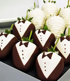 Send gourmet gifts, chocolate covered strawberries, gift baskets, cake pops and other treats crafted with Belgian chocolate. Wedding Strawberries, Chocolate Dipped Strawberries, Tuxedo Strawberries, Wedding Desserts, Wedding Favors, Wedding Table, Wedding Ideas, Wedding Bride, Wedding Beach