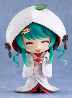 Amazon.com: Good Smile Company - Snow Miku Hatsune Strawberry Pure White Ver. Nendoroid figurine PVC: Toys & Games
