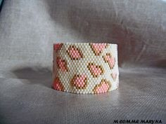 Bracelet manchette perles Miyuki delica léopard rose et doré boho bohème chic tissé peyote : Bracelet par m-comme-maryna Cuff Bracelets, Gold Rings, Etsy, Comme, Jewelry, Beading, Bracelets, Bracelet, Bohemian