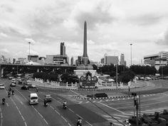Victory Monument  / Bangkok,Thailand (iphone5s)