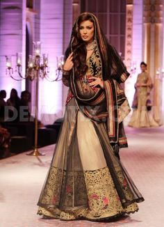 Mandira Wirk at Aamby Valley Indian Bridal Fashion Week 2013