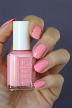 Hello my fellow Essie Lovers!     Welcome back for part 2 of my Coral comparison ! I didn't expect to be getting these posts up so quickly o...