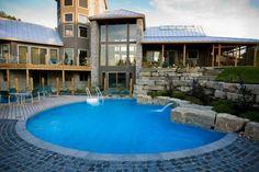 Luxurious Fox Pool