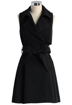Belted Sleeveless Trench Coat in Black black M