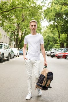 All White Outfit With Contrasting Beige Backpack – Balázs Zsálek https://balazszsalek.com/2018/05/28/all-white-outfit-with-contrasting%E2%80%8B-beige-backpack/