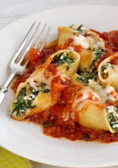 Cheesy Stuffed Shells – Cottage cheese, as well as mozzarella and Parmesan cheese fill these stuffed shells for a super-cheesy meatless, Healthy Living pasta recipe, that's ideal for your dinnertable.