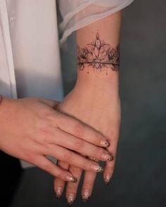 Ankle Tattoos For Women Mandala, Arm Band Tattoo For Women, Mandala Wrist Tattoo, Cool Wrist Tattoos, Pretty Tattoos, Body Art Tattoos, Tatoos, Little Tattoos, Mini Tattoos